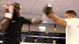 JOSHUA BUATSI DISPLAYS POWER, SPEED & TIMING DURING WORKOUT / SMASHES THE PADS AHEAD OF CALIC BOUT