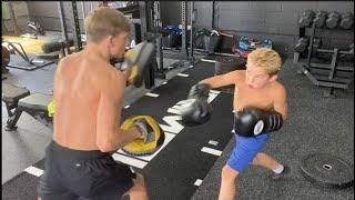 NEXT SAUNDERS SUPERSTAR? - BILLY JOE SAUNDERS' NEPHEW (BILLY) SHOWS QUICK HANDS WITH DENNIS McCAAN