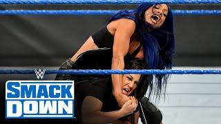 Sasha Banks unleashes a vicious chair assault on Bayley: SmackDown, Oct. 23, 2020
