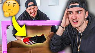 WHAT'S IN THE BOX CHALLENGE - FUßBALL EDITION!