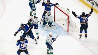 Schwartz's deflection goal ties game for Blues in final seconds