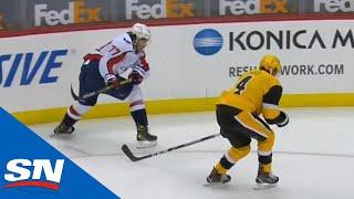 Jakub Vrana Scores After Great Backhand Feed From T.J. Oshie