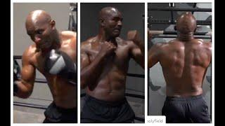 WOW! - EVANDER HOLYFIELD SHOWS POWER & PHYSIQUE, TRAINING WITH KLITSCHKO, -SET FOR MIKE TYSON FIGHT?