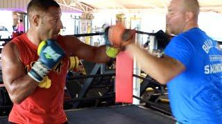 CRAWFORD NEXT? - KELL BROOK BATTERS THE PADS IN SPAIN WITH ADAM ETCHES / SHOWS SPEED, POWER & TIMING